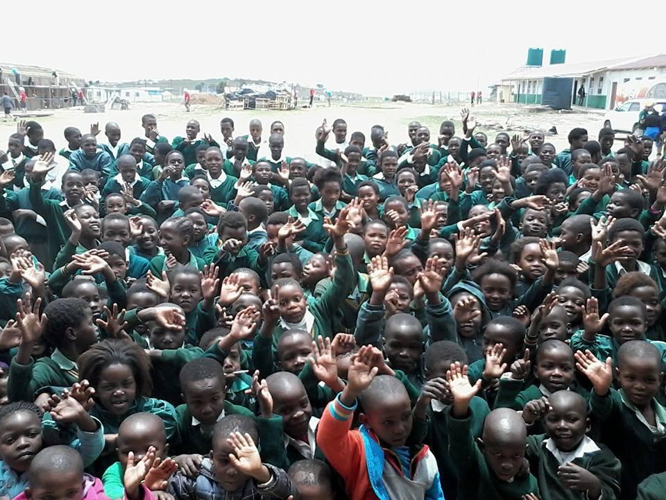 School Children thank Volunteers